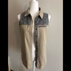 Gilded Intent Buckle small top sleeveless tan gray